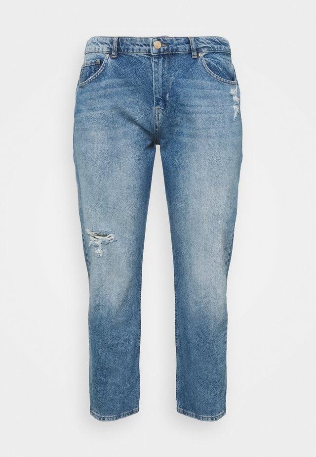 SLOUCH BOYFRIEND - Relaxed fit -farkut - vintage blue