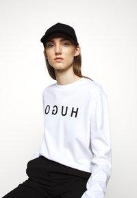 HUGO - Sweatshirt - white - 3