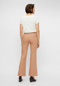 YAS - YASNUTEO FLARE PANT - Trousers - tawny brown - 2