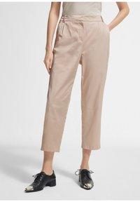 comma - Trousers - beige - 0
