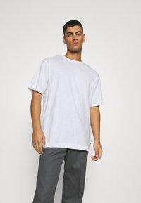 Only & Sons - ONSANDREW LIFE TEE - T-shirt med print - bright white - 0