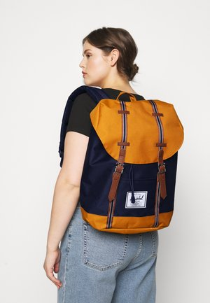 RETREAT - Tagesrucksack - peacoat/buckthorn brown