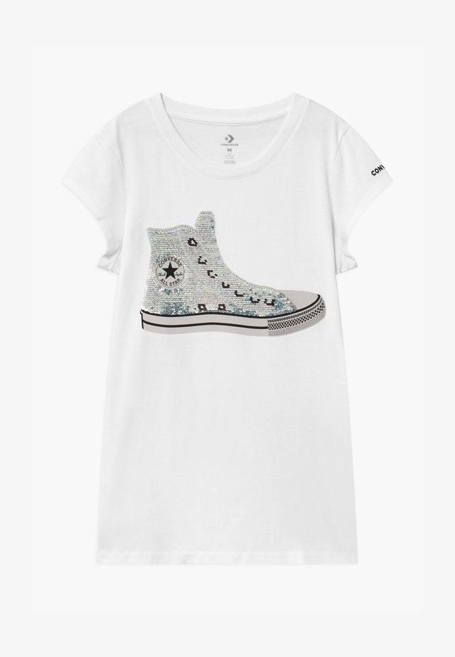 FLIP SEQUIN CHUCK TEE - Print T-shirt - white