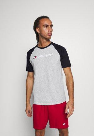 LOGO TEE - T-shirt z nadrukiem - grey