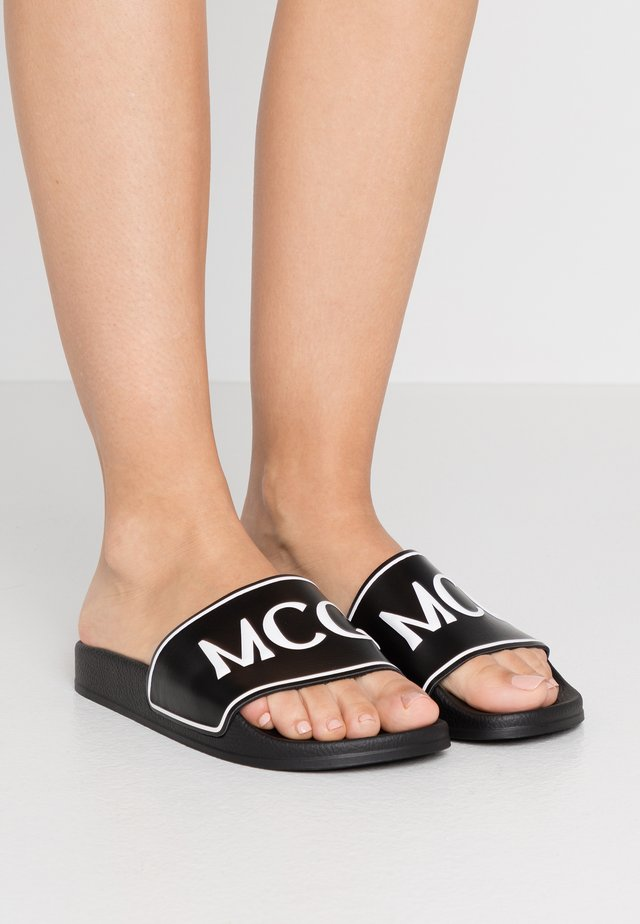 INFINITY SLIDE - Mules - black/white