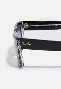 Ray-Ban - UNISEX - Sluneční brýle - black/transparent - 2