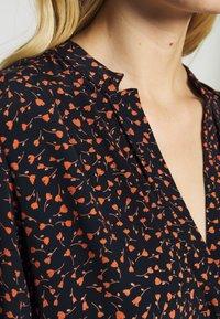 Moss Copenhagen - MILANA MOROCCO DRESS - Kjole - milana - 4
