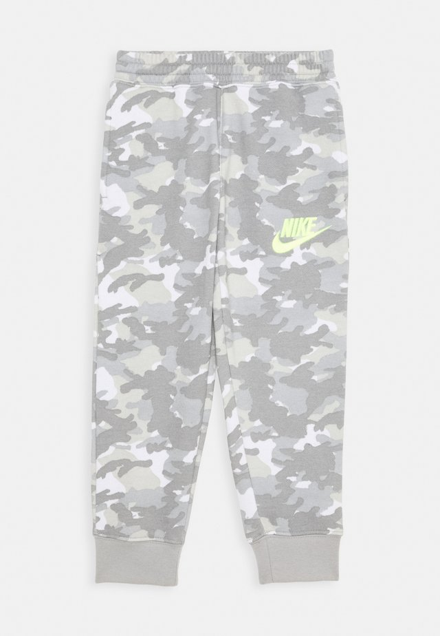 CRAYON CAMO - Pantalones deportivos - light smoke grey/smoke grey/volt
