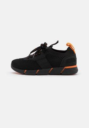TRAINERS - Sneakers laag - black
