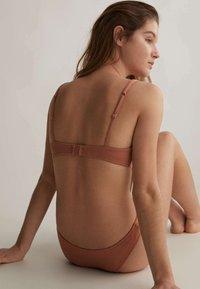 OYSHO - Bikini top - brown - 3