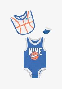 Nike Sportswear - BOYS BABY SET - Dárky pro nejmenší - blue - 2