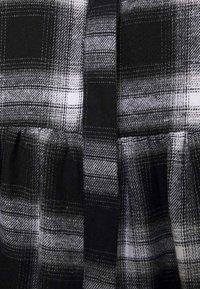 Missguided Petite - SMOCK DRESS CHECK - Shirt dress - black - 5