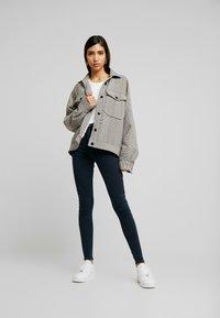 Topshop - JONI - Jeans Skinny Fit - blue/black - 1