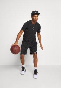 Jordan - AIR - Print T-shirt - black/white - 1