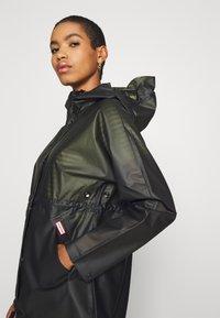 Hunter ORIGINAL - WOMENS ORIGINAL SMOCK - Waterproof jacket - dark olive - 3