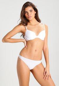 Triumph - BODY MAKE UP - T-shirt bra - white - 1