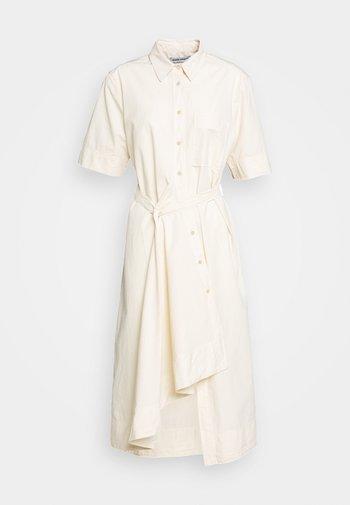 FIRM DRESS - Košilové šaty - pale