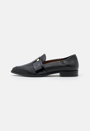 MOMENTS - Slippers - black