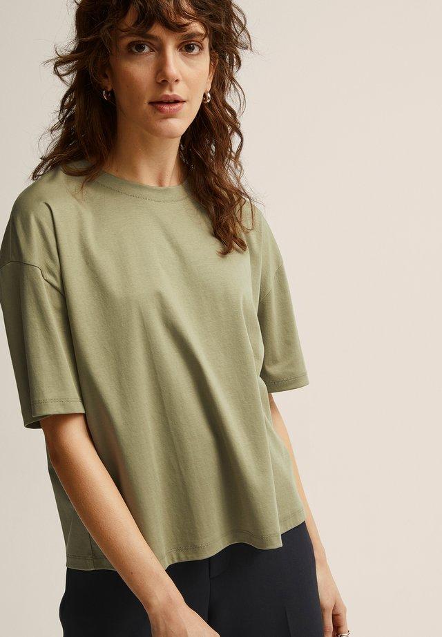 ALVA  - T-shirt basic - deep lichen gre