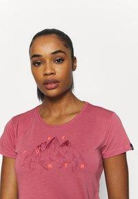 Salewa - GEOMETRIC TEE - Print T-shirt - mauvemood melange - 2