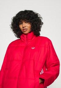 adidas Originals - PUFFER WINTER MIDWEIGHT JACKET - Light jacket - scarlet - 3