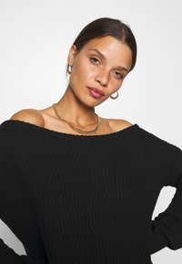 Missguided Petite - OPHELITA OFF SHOULDER JUMPER - Jumper - black - 3