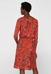 edc by Esprit - MIT ALLOVER-PRINT - Day dress - terracotta - 2