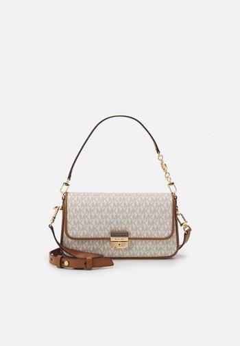 BRADSHAW - Handbag - vanilla/acrn