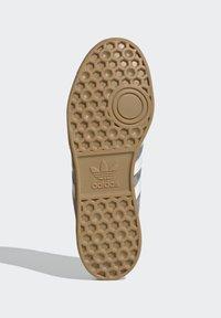 adidas Originals - HAMBURG TERRACE - Trainers - grey core black gum - 5