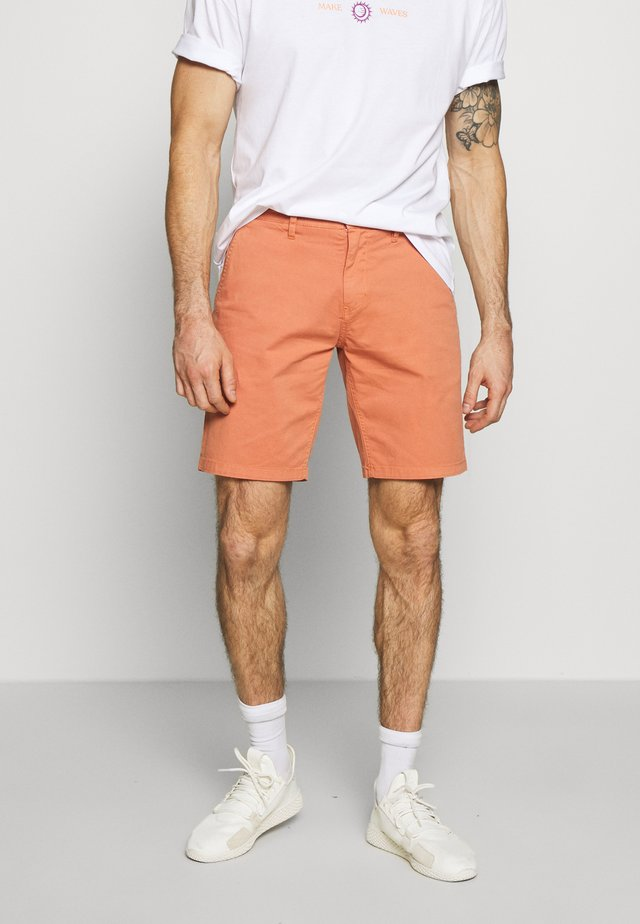 FREDE - Shorts - sun baked
