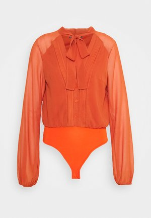 TIE NECK PINTUCK DETAIL BODYSUIT - Blůza - rust