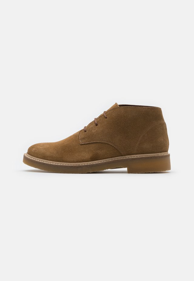 SLHLUKE CHUKKA BOOT - Sportieve veterschoenen - tobacco brown