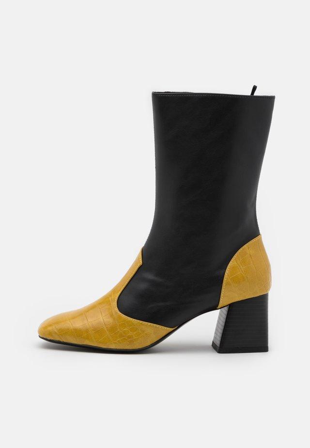 KEELY BOOT VEGAN - Korte laarzen - black/olive