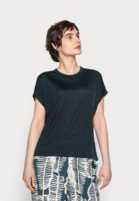 someday. - KANJA - Basic T-shirt - pacific - 0