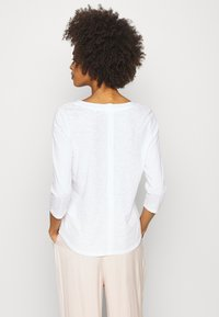 Marc O'Polo - SLEEVE ROUNDED NECK STITCHING DETAIL - Long sleeved top - white - 2