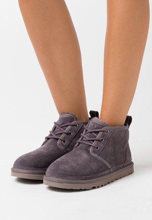 NEUMEL - Boots à talons - nightfall