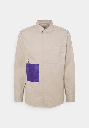 MARCUS SHIRT UNISEX - Shirt - sandshell