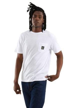 PIERCE PER UOMO - Basic T-shirt - bianco ottico