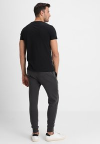 Pier One - Joggebukse - dark grey - 2