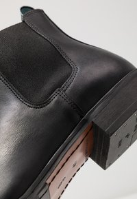 Shoe The Bear - ARNIE  - Classic ankle boots - black - 5