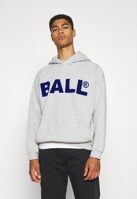 BALL - HAMMER FLOCK - Hoodie - mottled light grey - 0