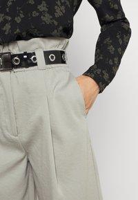 EDITED - DANA PANTS - Trousers - grau - 3