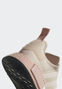 adidas Originals - NMD_R1 SHOES - Sneakers - beige - 5