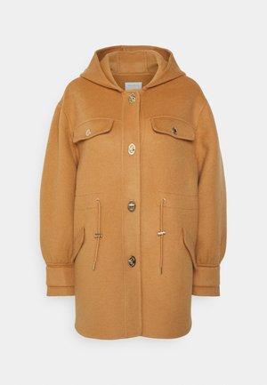 Klassinen takki - camel