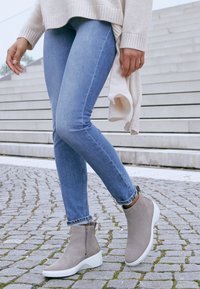 ECCO - SOFT 7 WEDGE - Ankle boot - beige - 4