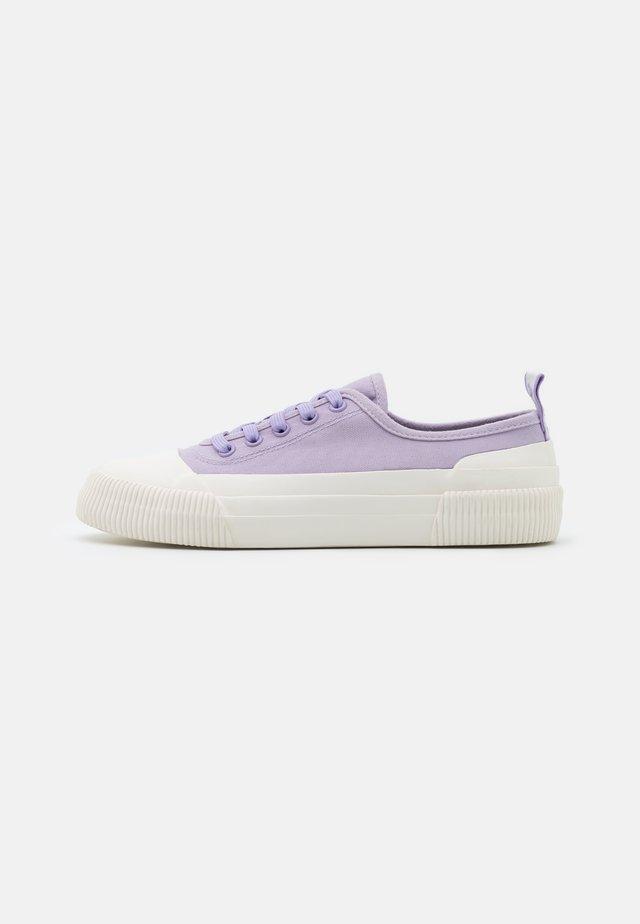Sneakersy niskie - lilas
