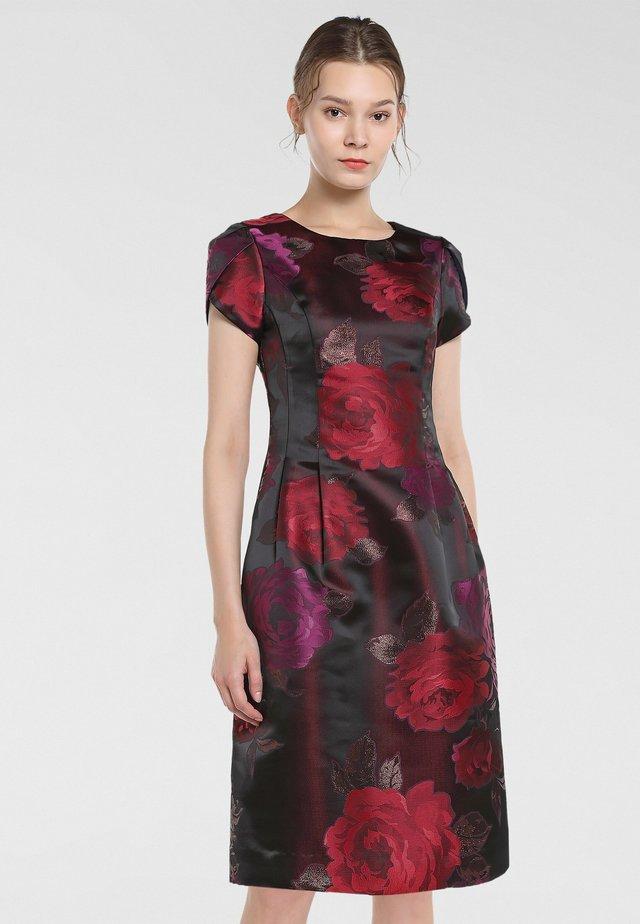 JAQUARD - Robe d'été - bordeaux-multicolor