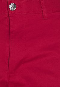 Michael Kors - WASHED - Shorts - crimson - 2