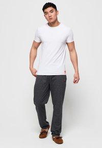 Superdry - 2 PACK - T-shirt basic - laundry white / laundry black - 0