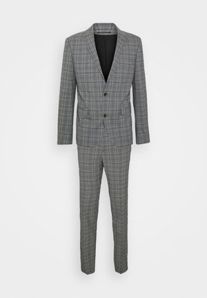 Costume - grey